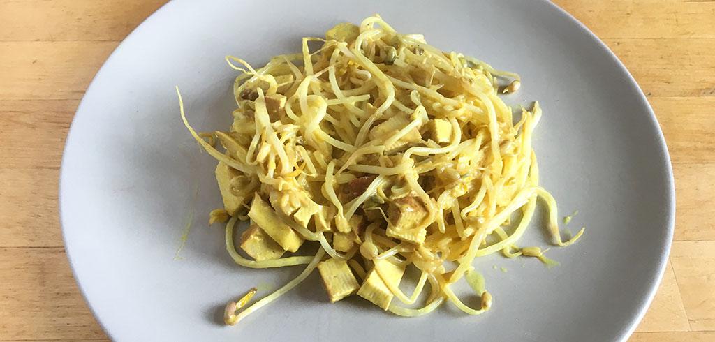 Rezeptbild zu Curry Tofu-Mungobohnen Wok-Pfanne als Abnehmrezept und zum Fettabbau