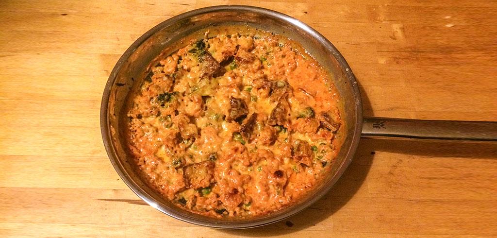 Rezeptbild zu Tofu-Pfanne mit Curry-Tomatensoße als Abnehmrezept und zum Fettabbau