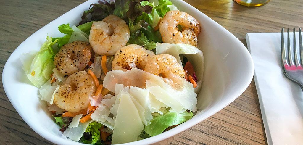 Rezeptbild zu Salat mit Garnelen als Abnehmrezept und zum Fettabbau
