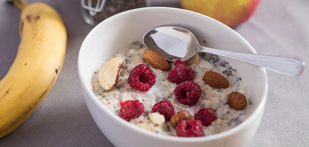 Rezeptbild zu eatSimply Frühstück II Haferbrei mit Extras als Abnehmrezept und zum Fettabbau