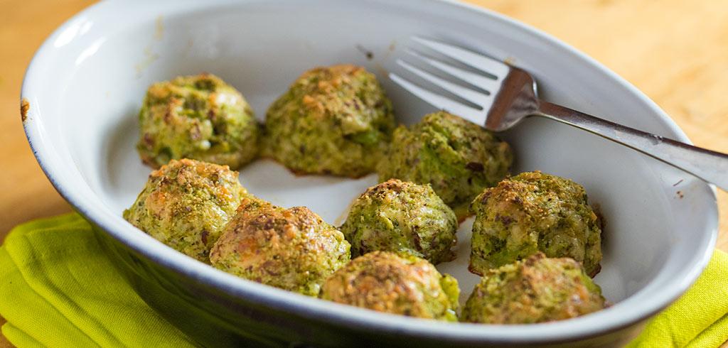 Rezeptbild zu Brokkoli Parmesan Bällchen als Abnehmrezept und zum Fettabbau