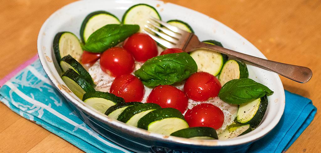 Rezeptbild zu Kabeljau mit mediterranen Gemüse aus dem Ofen als Abnehmrezept und zum Fettabbau