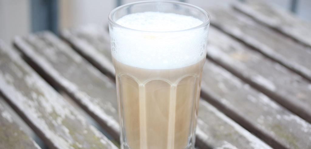 Rezeptbild zu Mandelmilch Macchiato als Abnehmrezept und zum Fettabbau
