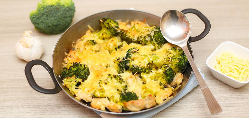 Rezeptbild zu Hähnchen Auflauf mit Brokkoli-Nudeln als Abnehmrezept und zum Fettabbau