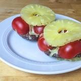 Vorschaubild für Hamburger mit Ananas