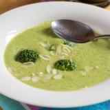 Vorschaubild für Brokkoli Mandel Suppe mit Frischkäse