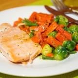 Vorschaubild für Wildlachs mit Rahm Gemüse (Rosenkohl und Karotten)