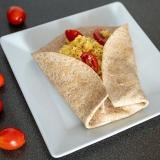 Vorschaubild für Vollkorn-Tortilla Rührei mit Käse, Tomate